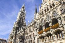 Bild: Das neue Rathaus am Marienplatz