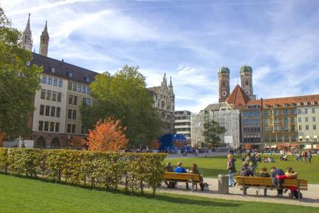 Der Marienhof hinter dem neuen Rathaus