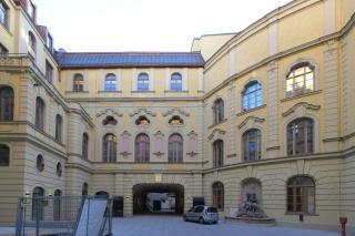Bild: Der Innenhof des Deutschen Theaters