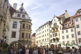 Bild: Das Platzl mit dem Blick auf das Hofbräuhaus