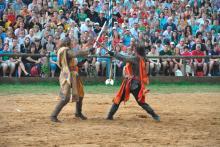 Bild: König Artus im Zweikampf mit Lancelot auf dem Kaltenberger Ritterturnier