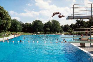 Bild: Westbad, Schwimmbecken