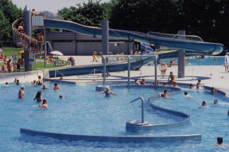 Michaelibad, Schwimmbecken