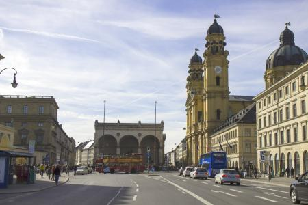 Hofgarten, Feldherrnhalle, Theatinerkirche at the end of Ludwigstraße