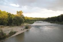 Picture: The Isar seen from the Thalkirchener Brücke (Bridge)