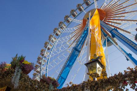 The famous giant wheel at the Oktoberfest