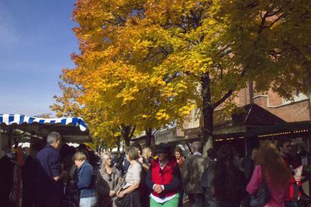 Schöne Herbstfarben auf der Kirchweihdult