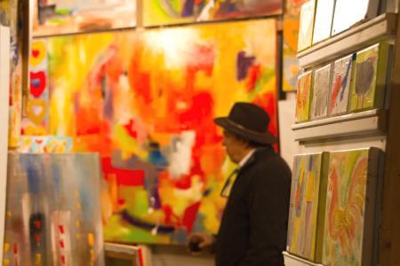 Maler und Kunsthandwerk gibt es viel
