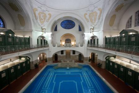 Mueller´sches Volksbad, indoor pool small