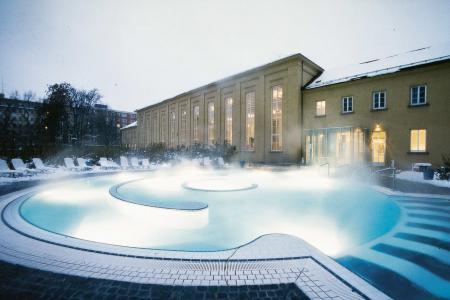 Nordbad, outdoor pool in winter