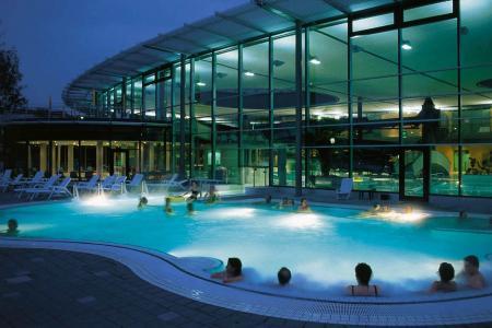 Westbad, Schwimmbecken